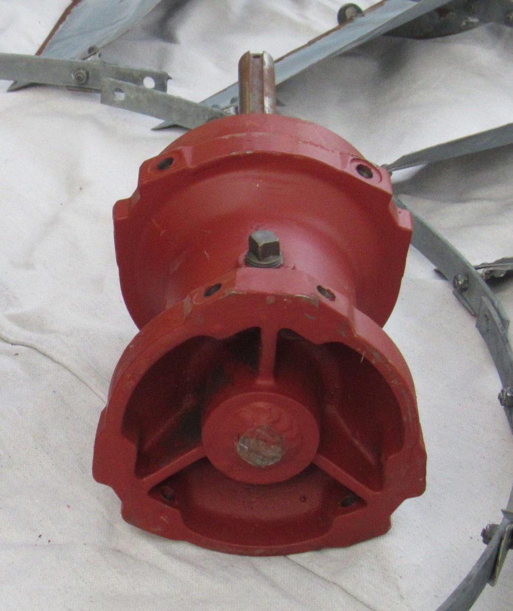 Modern Aermotor Red Hub (1965 - Present)